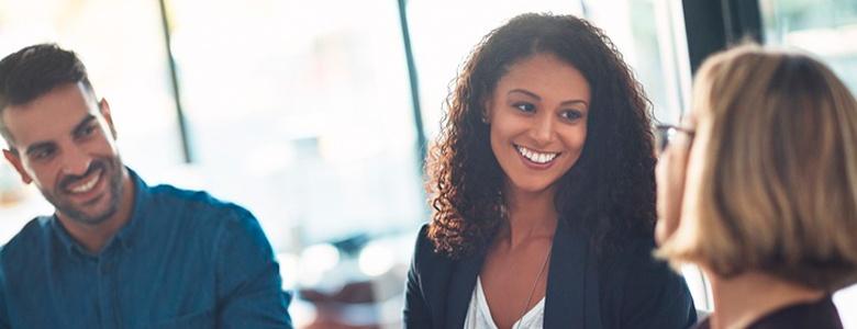 Referral recruiting – nyckeln till snabb och träffsäker rekrytering?