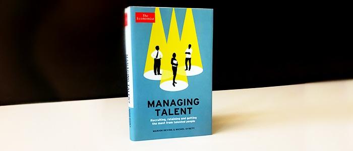 Veckans boktips visar en bild på Managing Talent av Marion Devine och Michel Syrett